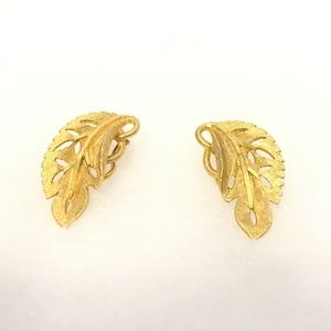 Vintage BSK Gold Tone Leaf Clip-On Earrings 1.2""